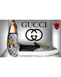 Gucci Tiger print GG Supreme slip-on sneaker