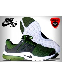 Nike Air Presto Essential Shoe 4